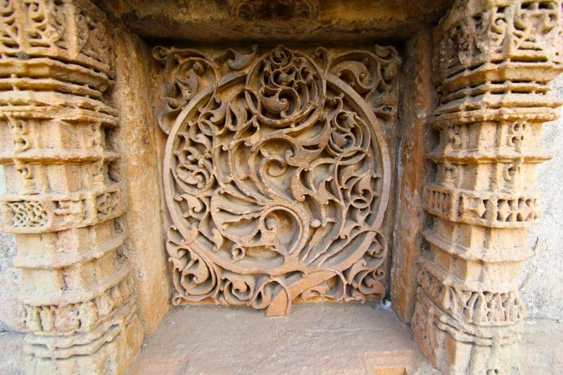 adalaj carving