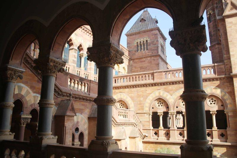 Corinthian pillars