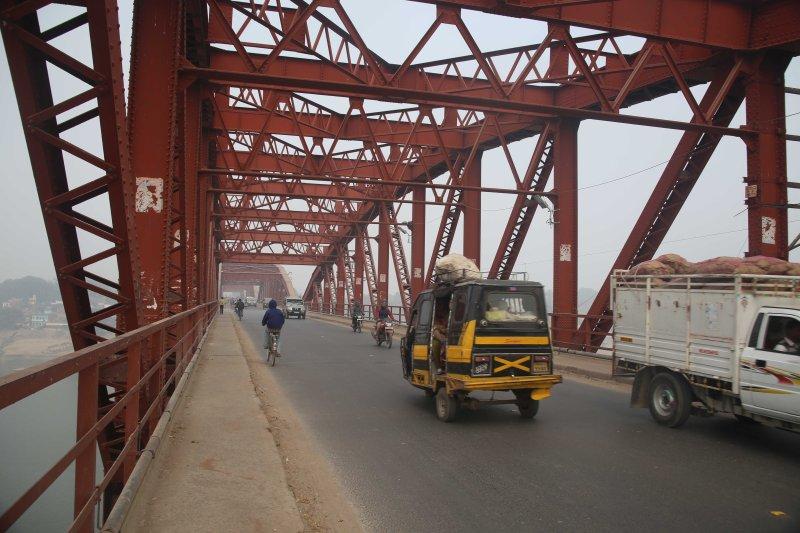 vns padaw bridge iron.jpg
