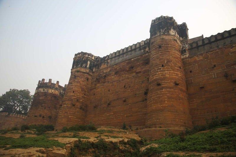 VNS ramnagar fort walls