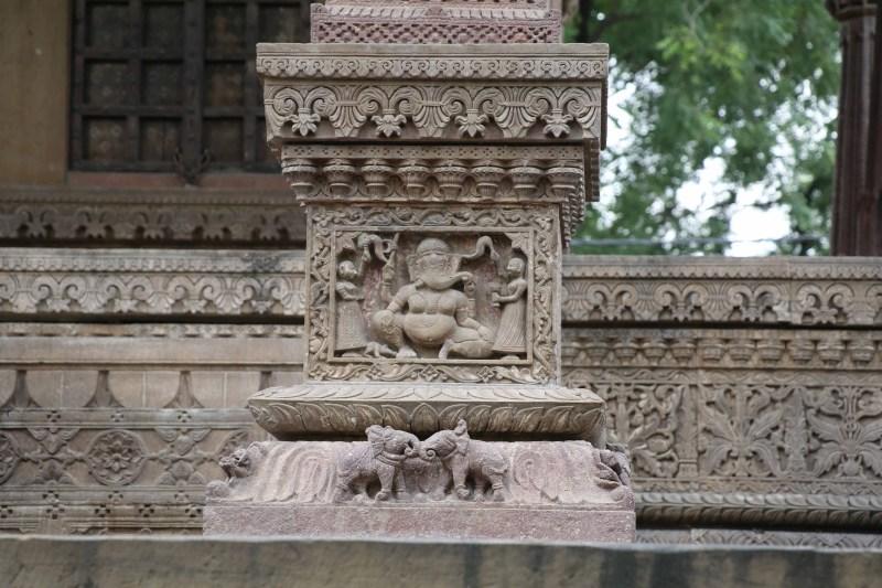 ganesh-column