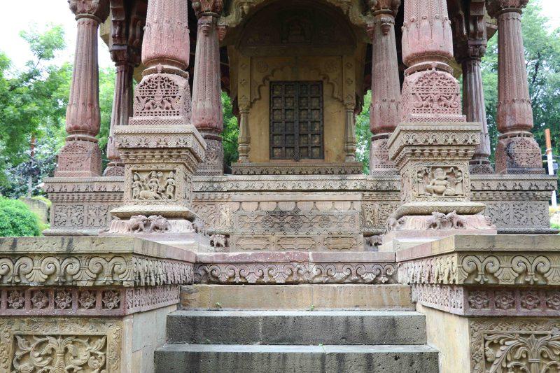 malharrao-chhatri-ornate