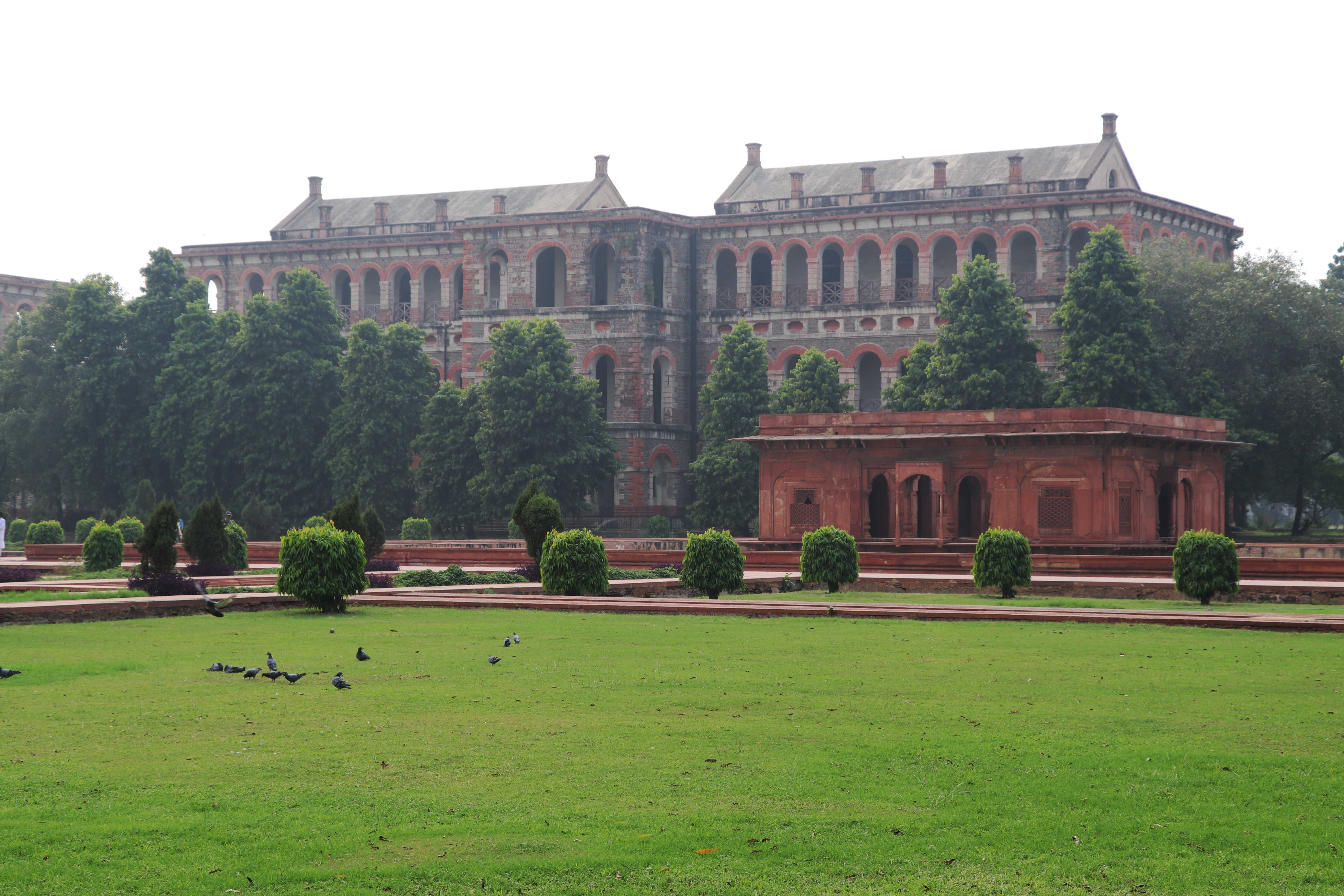red-fort-colonial