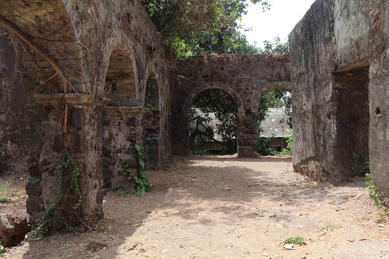 ghodbunder arches 2