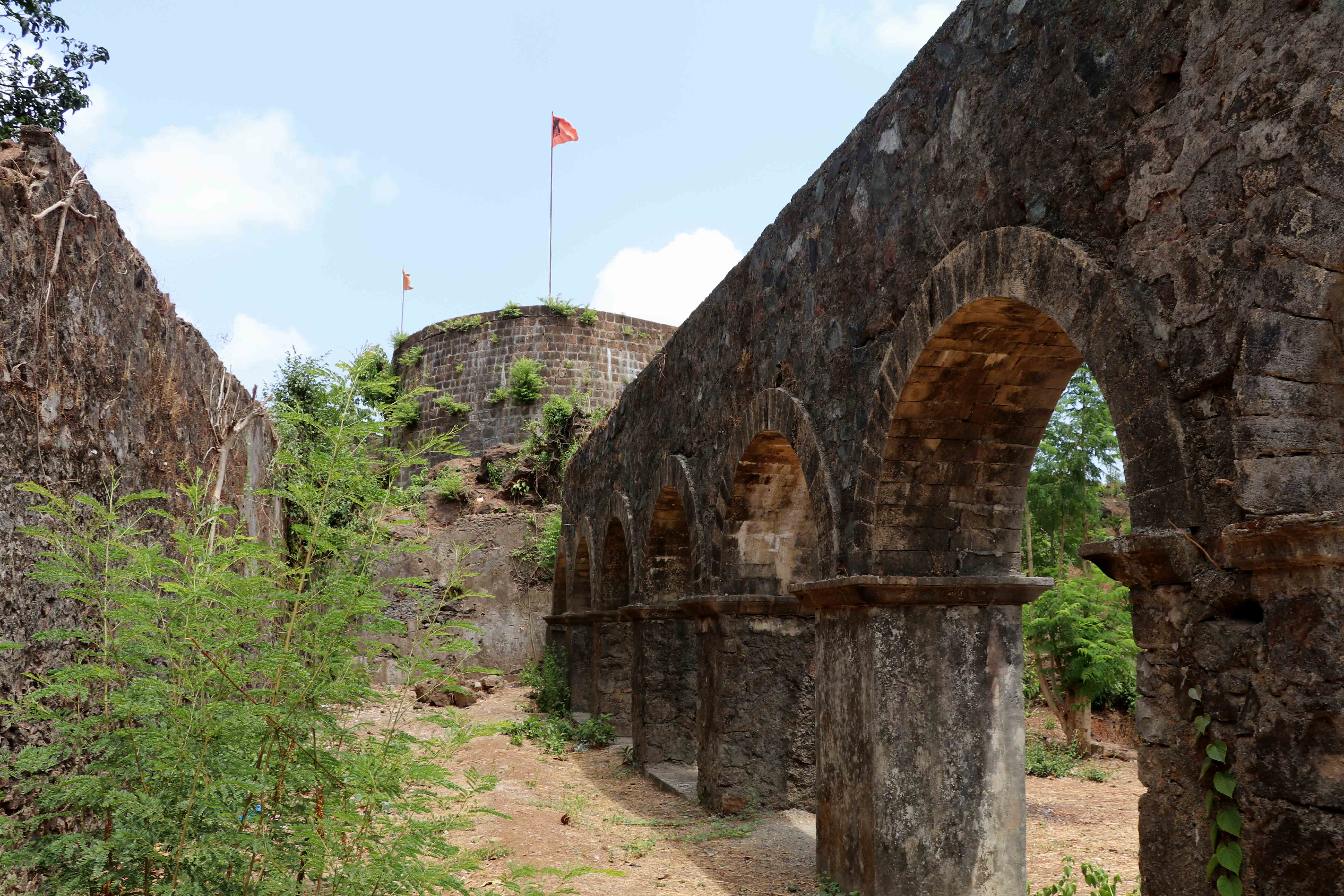 ghodbunder fort arches