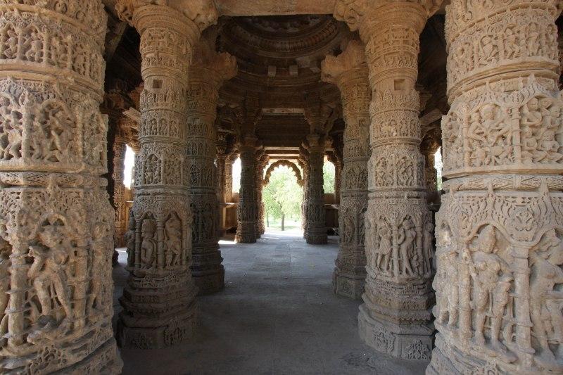 modhera rangamandapa pillars