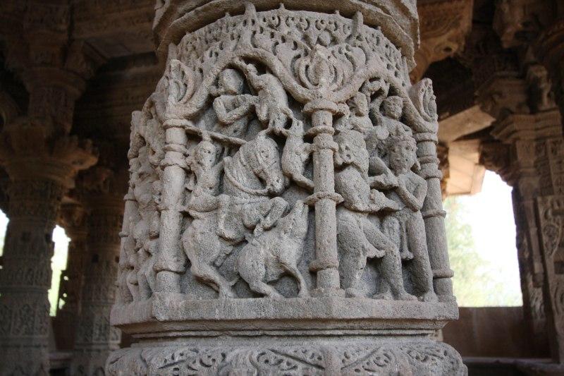 modhera rangamandapa pillars2