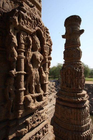 modhera sculpted column