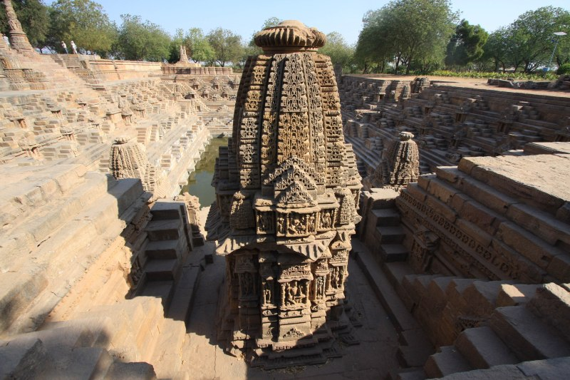 modhera tank shrine