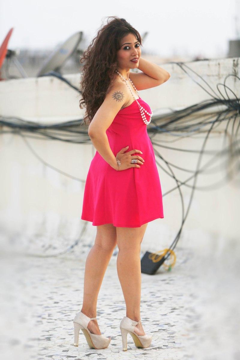 shweta pink2