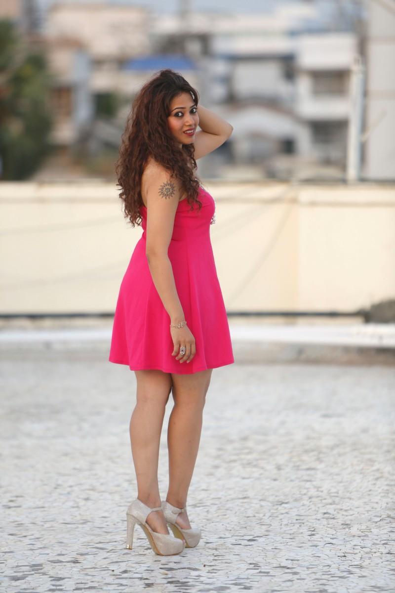 shweta pink4