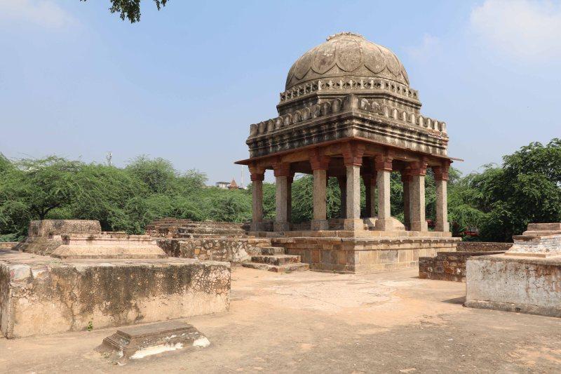 Meh17 Lodhi era tomb