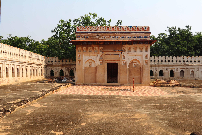 Meh19 Jamali Kamali tomb