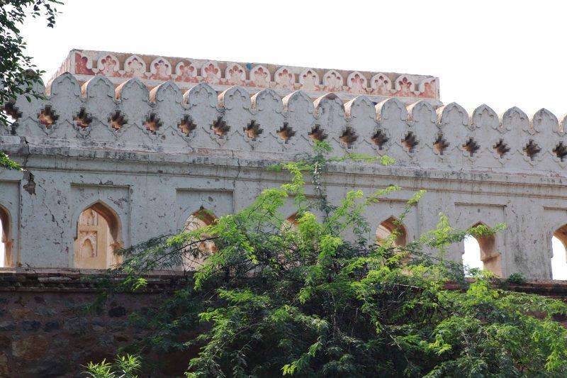 Meh21 Jamali Kamali tomb wall