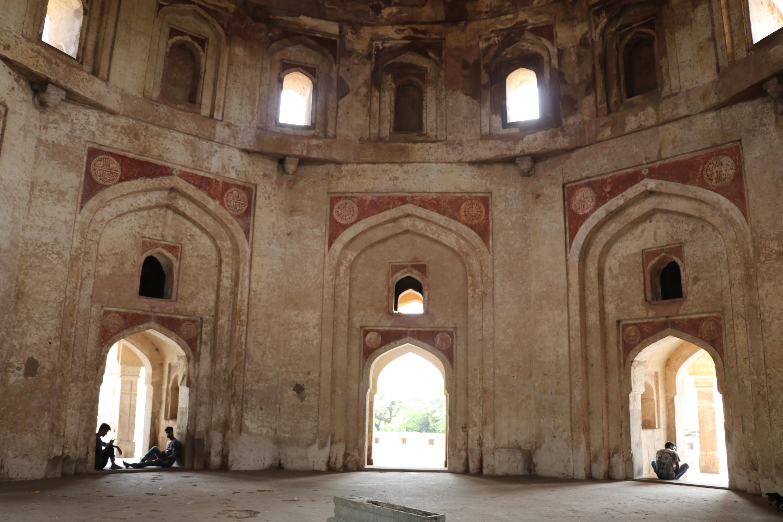 meh3 Adham Khan Tomb