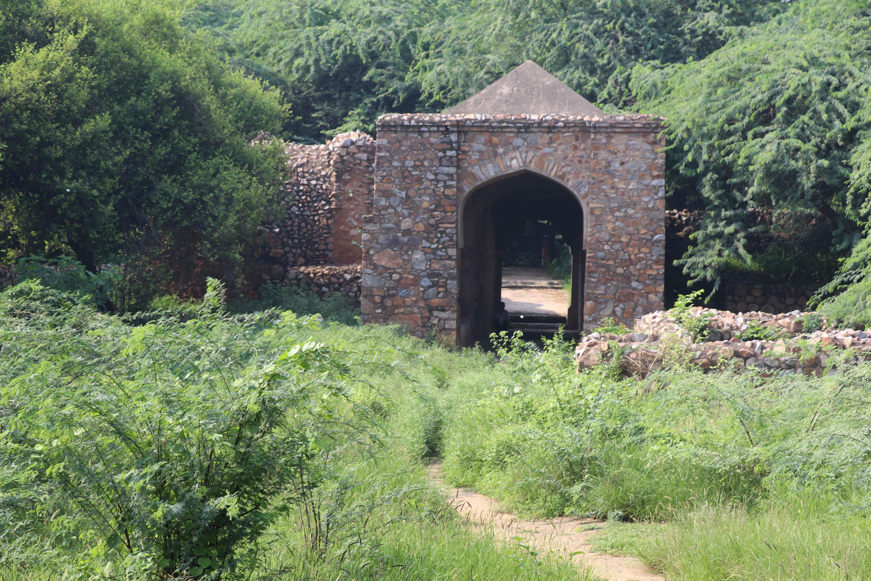 Meh44 balban gateway.jpg