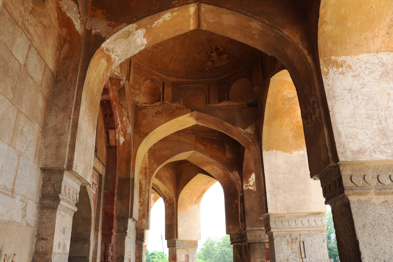 meh5 Adham columns arches