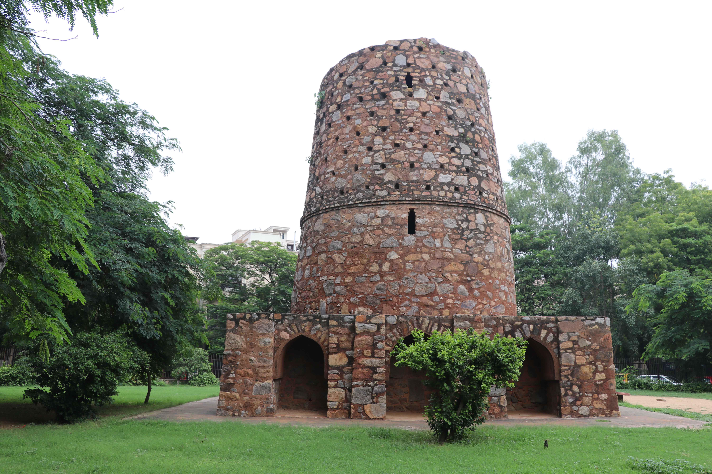 chor minar 4