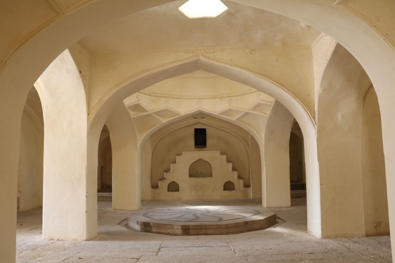 Qutb tombs14