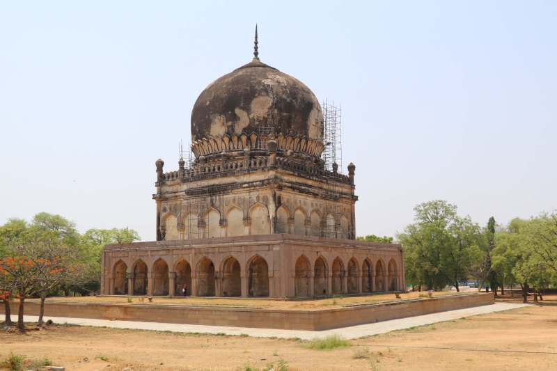 Qutb tombs20