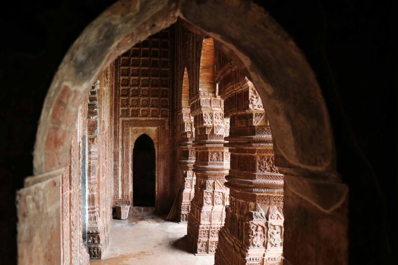 madan mohan arches light