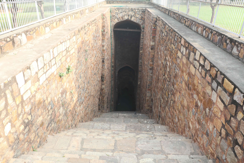 12 Purana Qila baoli