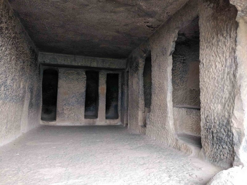 HR Bhaje lesser caves